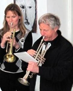 Mit Trompeten zu Grabe getragen