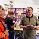Wolfgang L. Diller, Plastic Indianer und Leihgeber der Punk Magazine, mit Besucher